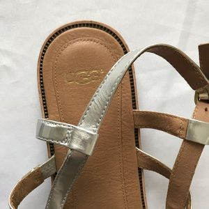 UGG Shoes - Ugg Brigid Patent Leather T-Strap 1004253 Sandals